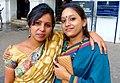 Bengali Beauty on the Sidewalk (14842162144).jpg