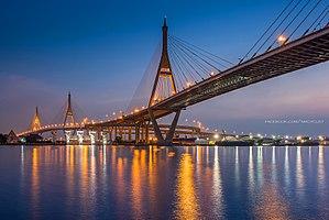 Bhumibol Bridge - Image: Bhumibol Bridge on Rama 3 sight (10440744735)
