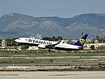 Boeing 737-800 (37360154192).jpg