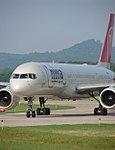 Boeing 757-200 (Northwest Airlines) (535013521).jpg