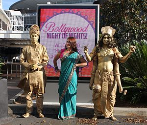 Bollywood Human Statues, Living Statue Bollywood (15717133988).jpg