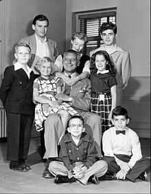 Bonino cast photo with Ezio Pinza 1953.jpg