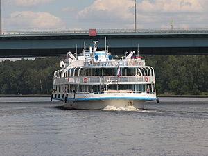 Borodino on Khimki Reservoir 22-jun-2012 09.JPG