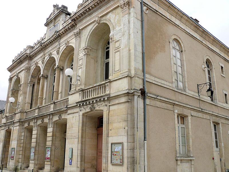 Fichier:Bourges - Théâtre Jacques-Cœur -1.jpg