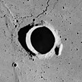 Brayley crater AS17-M-2929.jpg
