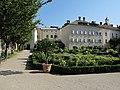 Bressanone, giardino di corte 02.JPG