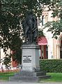 Bronzestandbild von Benjamin Thompson Graf von Rumford Maximilianstr. Muenchen-1.jpg