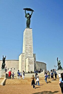 Budapest Gellért socha svobody 1.jpg