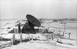 Radiolocation service - Image: Bundesarchiv Bild 101I 356 1845 08, Frankreich, Radar an der Kanalküste
