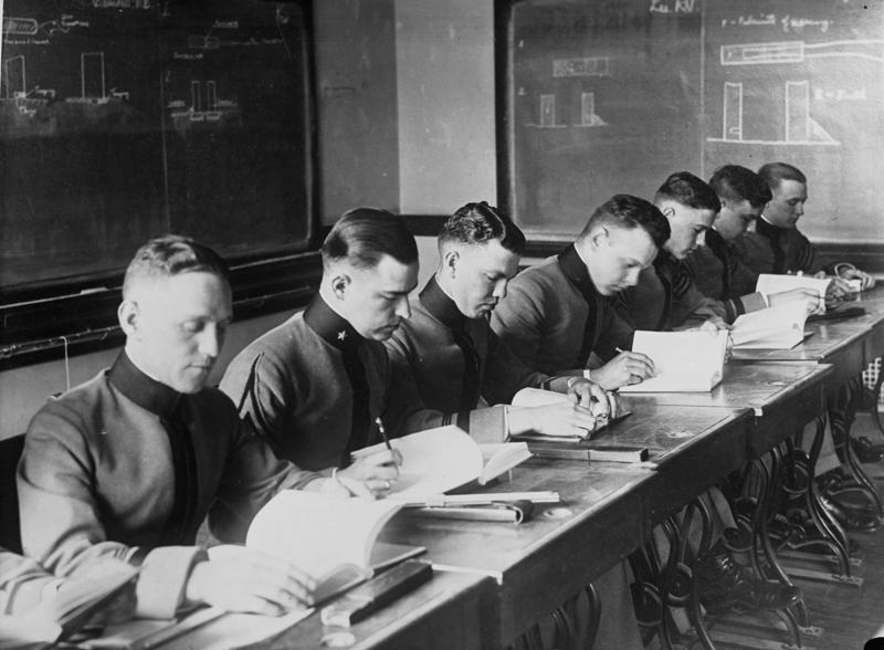 Bundesarchiv Bild 102-08174, USA, Unterricht in der Offiziersschule West-Point
