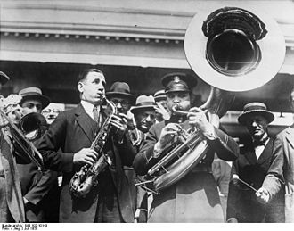 Sousaphone - Saxophone and sousaphone players in a photo from the German Federal Archives