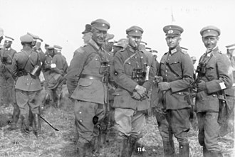 Alfred Jodl - Alfred Jodl (second from right) as a captain of  the Reichswehr, 1926
