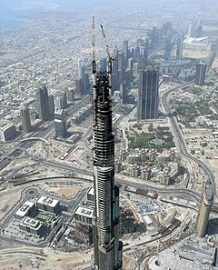 Burj Dubai Under Construction on 8 May 2008 Pict 2.jpg