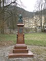Busta Adama Mickiewicze.jpg
