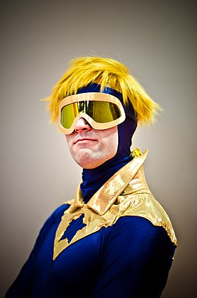 Cosplay de Booster Gold.
