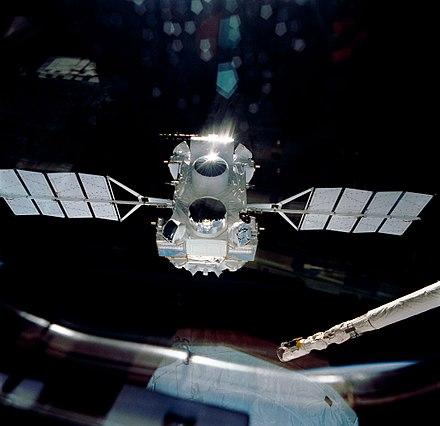 The Compton Gamma Ray Observatory released into Earth's orbit in 1991 CGRO s37-96-010.jpg