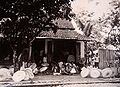 COLLECTIE TROPENMUSEUM Vervaardiging van parasols in Tasikmalaja TMnr 60016864.jpg