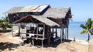 Padi Beach House Morong Reviews