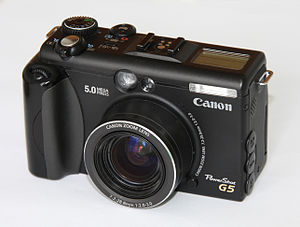 English: Front view of Canon PowerShot G5 digi...