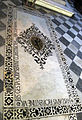 Cappella del crocifisso, pavimento con tomba villani 01.JPG