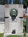 Carl Wollek grave, Vienna, 2017.jpg
