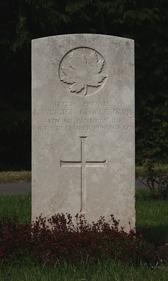 Royal Canadian Infantry Corps - Grave of Pte LG Davis, 44 Bn, killed in action 10 December 1916