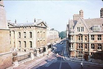 Catte Street - Image: Catte Street, Oxford view north 1981 geograph.org.uk 812858