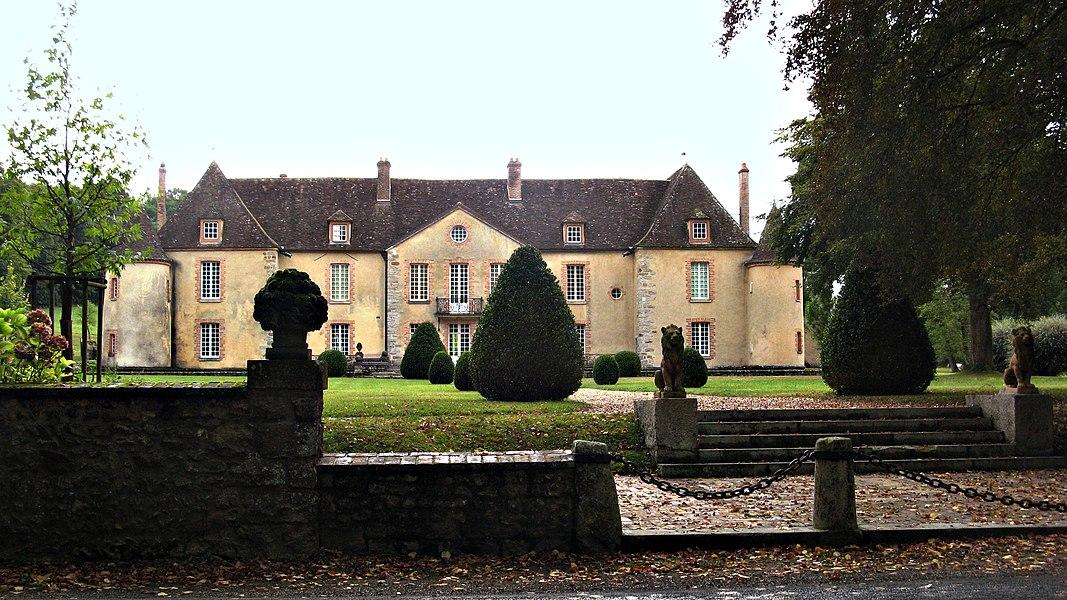 Nailly: Entrée principale et façade nord du  château de Bois-le-Roi