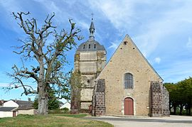 Choue - Eglise St Clement 04.jpg