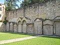 Cimitero esterno chiesa di San Giovanni a Torri del Benaco.jpg
