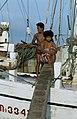 Collectie NMvWereldculturen, TM-20020638, Dia, 'Aan boord van een Buginese prauw in de haven Sunda Kelapa', fotograaf Henk van Rinsum, 1980.jpg
