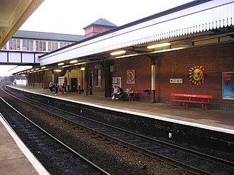 Colwyn Bay railway station - Colwyn Bay Station up platform in January 2006