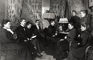 Women's Trade Union - 1902 meeting of the Committee for Women's Agitation, the precursor of the Women's Trade Union. The meeting was held at the Sterky residence. Kata Dahlström is seen of the left.