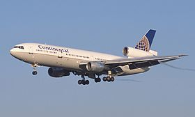 Continental Airlines DC-10.jpg