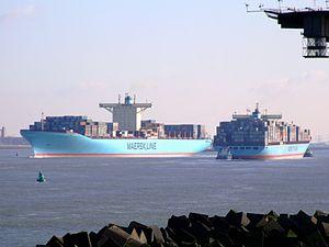 Cornelius & Eleonora Maersk p2, Port of Rotterdam, Holland 25-Jan-2007.jpg