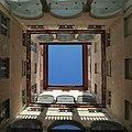 Cortile interno di Palazzo Rosso.jpg