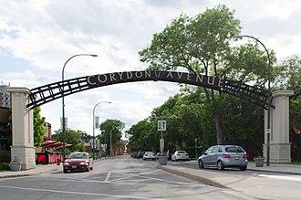 Winnipeg Route 95 - Image: Corydon Avenue arch in Winnipeg, Manitoba
