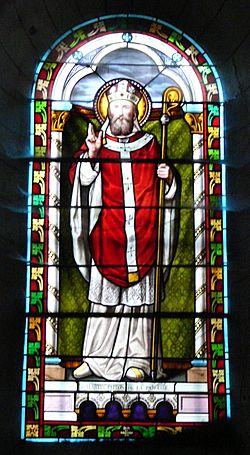 Coulaures église vitrail (13).JPG