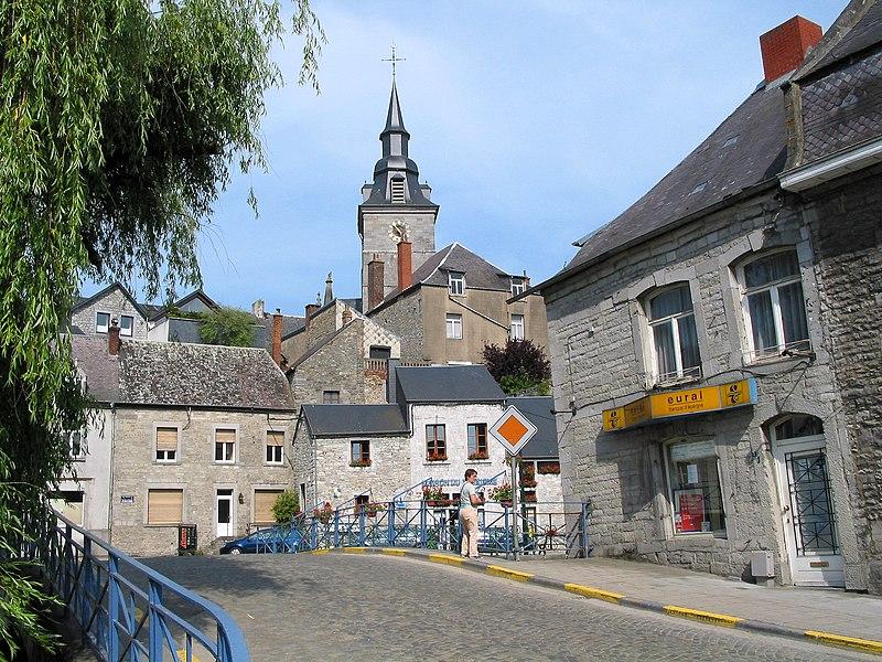 Couvin, rue Grand Pont.