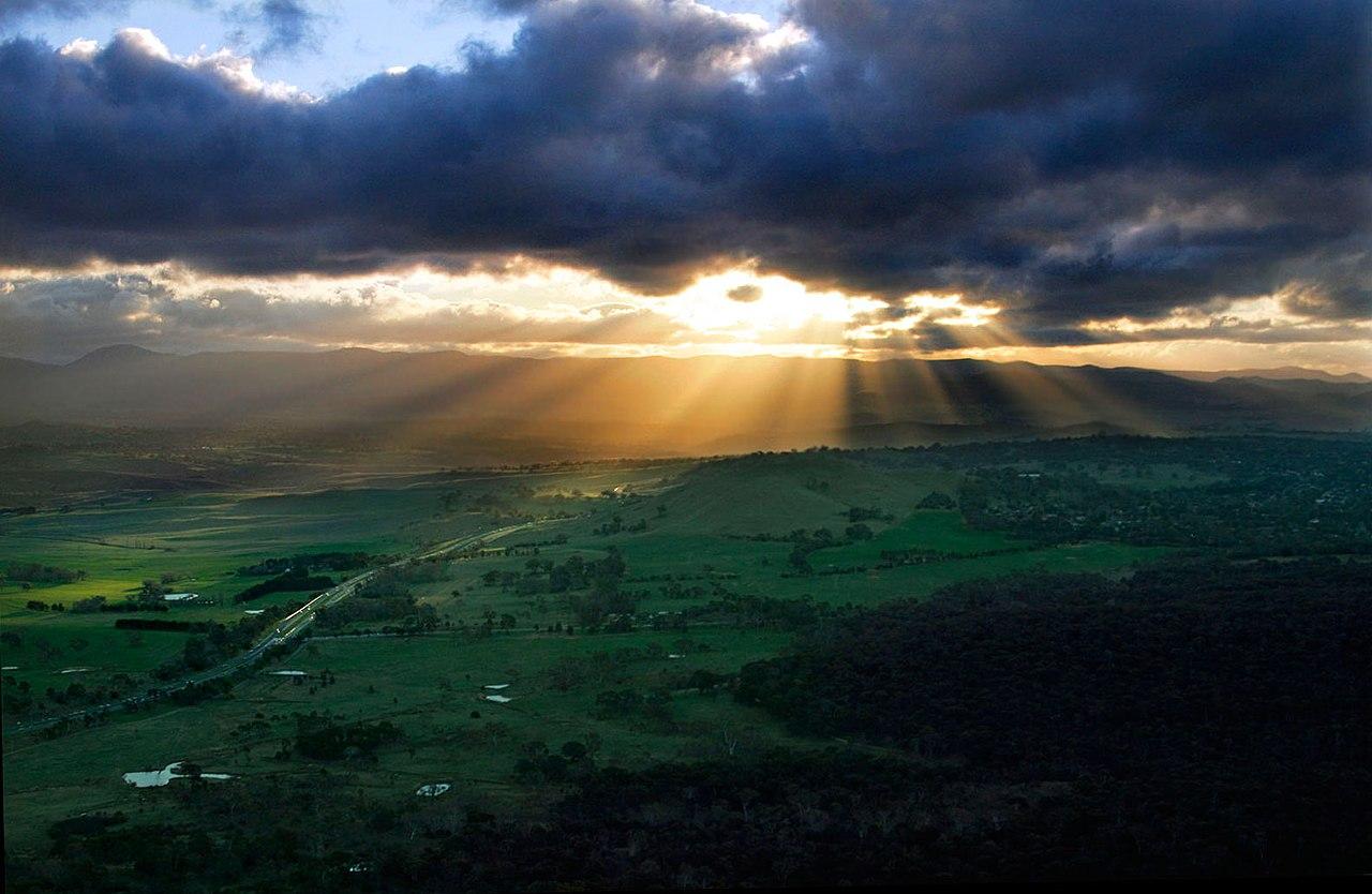 Coucher de soleil vu de la tour Telstra, Canberra.  (définition réelle 1583×1031)