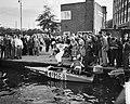 Dam tot Dam race , eerste dag, Dick van Rijn (AVRO) in aktie. Als passagier van , Bestanddeelnr 910-6149.jpg
