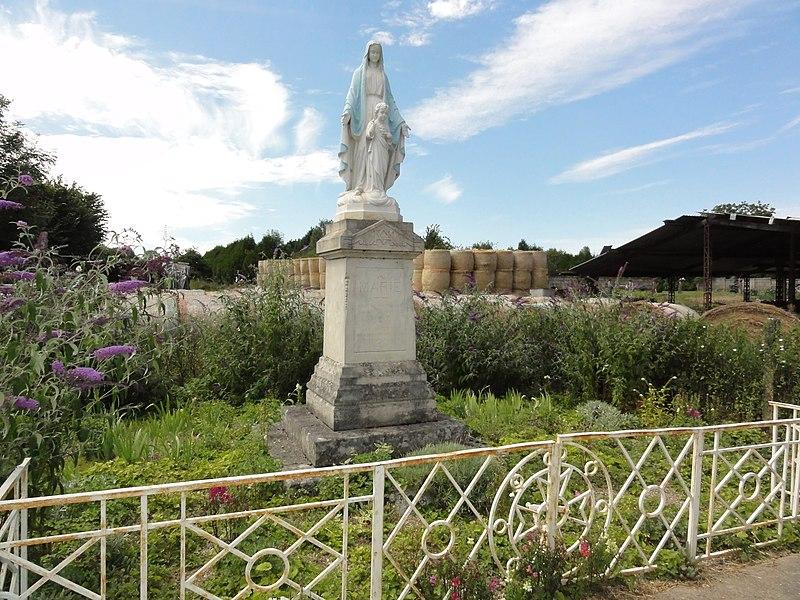 Dammarie-sur-Saulx (Meuse) statue Vierge et Enfant