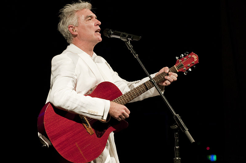 http://upload.wikimedia.org/wikipedia/commons/thumb/d/d9/David_Byrne_2009.04.24_016.jpg/800px-David_Byrne_2009.04.24_016.jpg