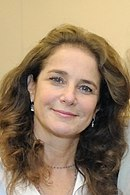Debra Winger APP4 - NIH Aug 2011 (6092772575) (cropped).jpg