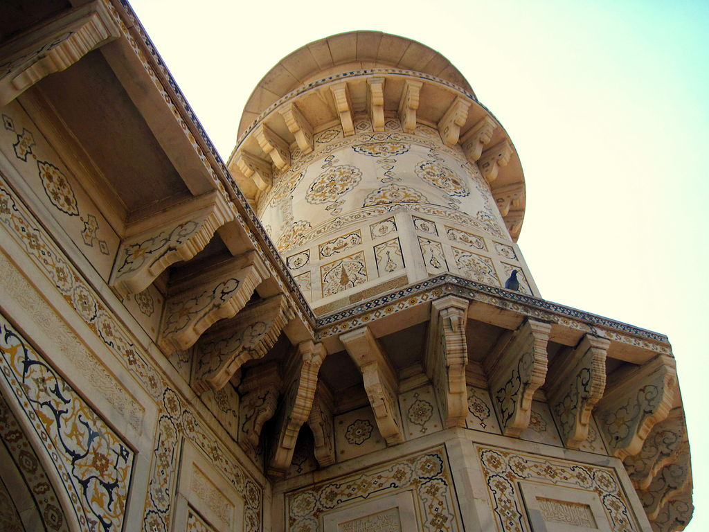 Design and art... Itmad-ud-daulah's tomb.JPG