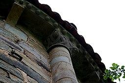 Detalle iglesia Obona.JPG