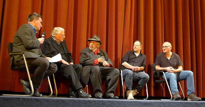 File:Diskussionsrunde nach der Vorführung von 'Verfluchte Liebe deutscher Film' auf der Berlinale 2016.jpg