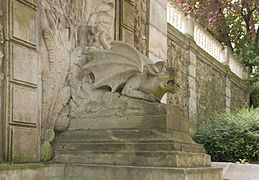 Dragon bassin Monte Cristo le Port-Marly.jpg