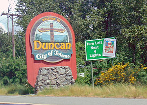 Duncan, British Columbia - Sign welcoming visitors to the town of Duncan, on Vancouver Island, British Columbia.