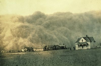 https://upload.wikimedia.org/wikipedia/commons/thumb/d/d9/Dust_Storm_Texas_1935.jpg/400px-Dust_Storm_Texas_1935.jpg